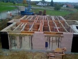 Poroton Keller bauen für ein Blockhaus