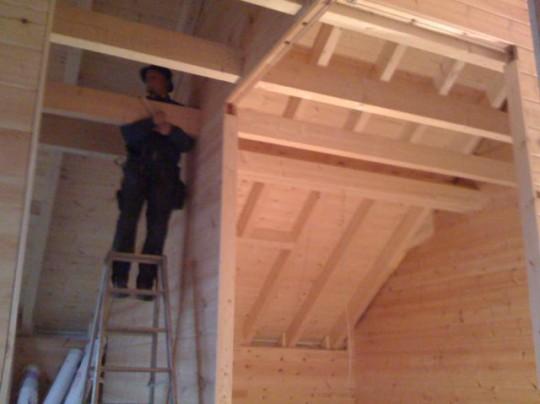Dachstuhl Ausbau Blockhaus