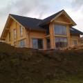 Doppelblock Blockhaus mit Richtmeister errichtet