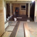 Holzdielen (Eiche Massivholzdiele) im Blockhaus verlegt