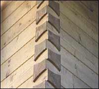 Die richtige fr sung f r die blockecke im blockhaus for Holzverbindungen herstellen
