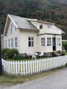 Holzhaus weis Schwedenhaus