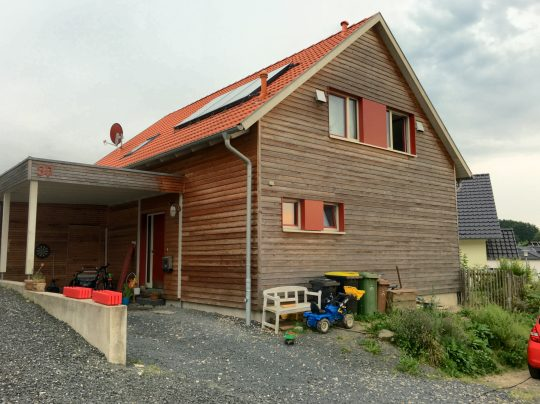 Holzhaus braun