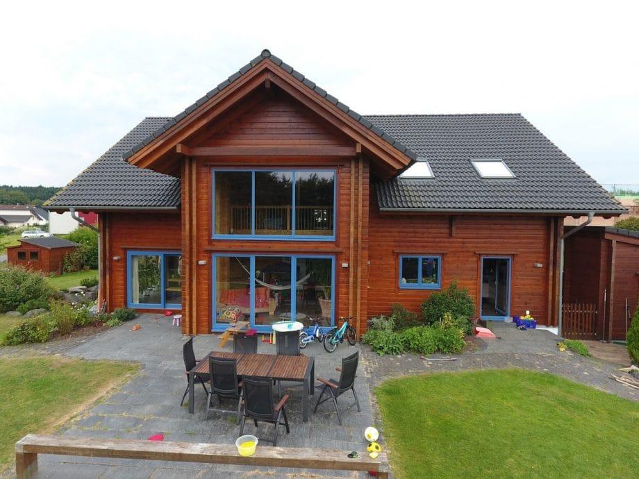 Holzhaus ohne Dachüberstand