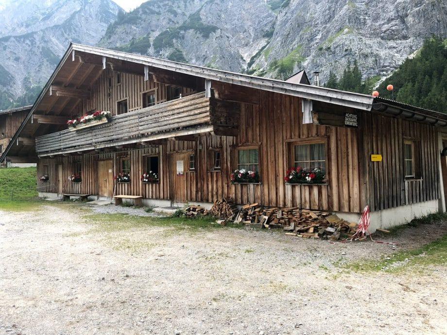 Holzhaus ohne Leim bauen